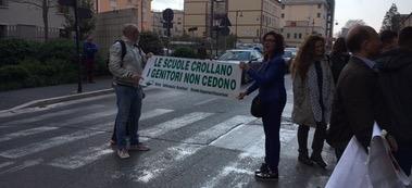 caserta docenti scuola protesta