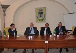 """Amorosi. """"Il patto di Amorosi"""": l'incontro dei sindaci della valle telesina con il presidente Claudio Ricci e il sottosegretario Umberto Del Basso De Caro."""
