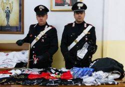 Sessa Aurunca. 28 magliette di marche diverse e 4 videogiochi per play station sequestrati dai carabinieri: ignota la provenienza.