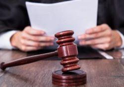 Polizza infortuni avvocati obbligatoria cancellata. Ecco l'emendamento al DL fiscale 148/2017. La novità arriva proprio il giorno della scadenza per la stipula.