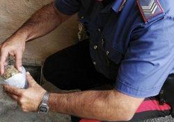 """Capracotta. Droga ed altri reati, sei persone nei guai nel corso di una operazione dei Carabinieri: sequestrate dosi di """"marijuana""""."""