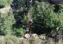 Longano. Si ribalta un trattore, illeso il conducente: il mezzo viene recuperato dai Vigili del Fuoco di Isernia.