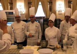 """ALIFE. La """"mostacciolata"""", un altro grande successo della chef nostrana Rosanna Melillo: ed anche al Festival della Pasticceria di Roma """"si leccano i baffi""""."""
