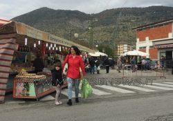 PIEDIMONTE MATESE. La Fiera di San Martino: bancarelle per la vendita di mercanzie e solito afflusso di visitatori.