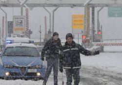 CAIANELLO / CAPUA. Emergenza neve, chiusi tutti i caselli autostradali dell'A1 della provincia di Caserta: riaperte invece le strade di competenza ANAS.