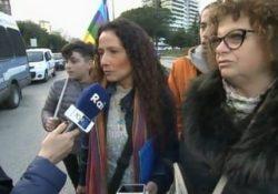 ALIFE / SCAMPIA. La Ginocchio alla Marcia contro la violenza: la cantautrice e testimonial per la Pace intervistata dalle telecamere RAI.