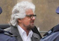Aversa. Peppe Grillo al Tribunale di Napoli Nord: citato come teste dell'accusa in un processo per diffamazione contro l'ex attivista Ferrillo.