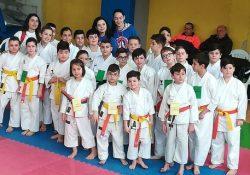 "S. ANGELO IN FORMIS / PASTORANO . Karate al Memorial ""Oreste Lombardi"": l'Olimpia sport conquista 15 medaglie."