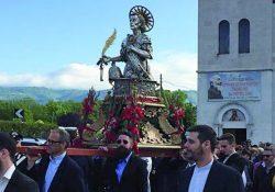 Venafro. Con Sant' N'candriegl' si apre il mese dei martiri: la processione con il busto di San Nicandro