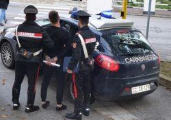 Isernia / Provincia. Giovane segnalato dai Carabinieri per detenzione di stupefacenti: sotto sequestro dosi di hashish.