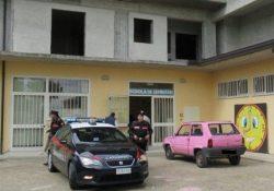 San Nicola Manfredi. Sorpresi a rubare nella scuola di contrada Iannassi: arrestati 4 giovani tra i 23 ed i 28 anni, di cui due ragazze.