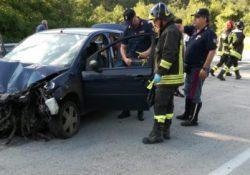 Bojano / Agnone. Autovettura sbanda lungo la SS 650 ed urta contro le barriere laterali: cinque giovani finiscono in ospedale.
