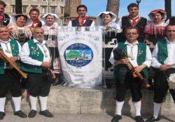 """San Polo Matese. Al via la rassegna nazionale degli """"Zampognari d'Italia"""": musicisti da diverse regioni d'Italia nel piccolo centro molisano."""