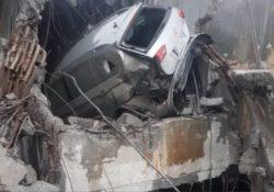 Genova / Tragedia Ponte Morandi. La sua auto si incastra tra le colonne di cemento dopo un volo di 30 metri: salvo un calciatore.