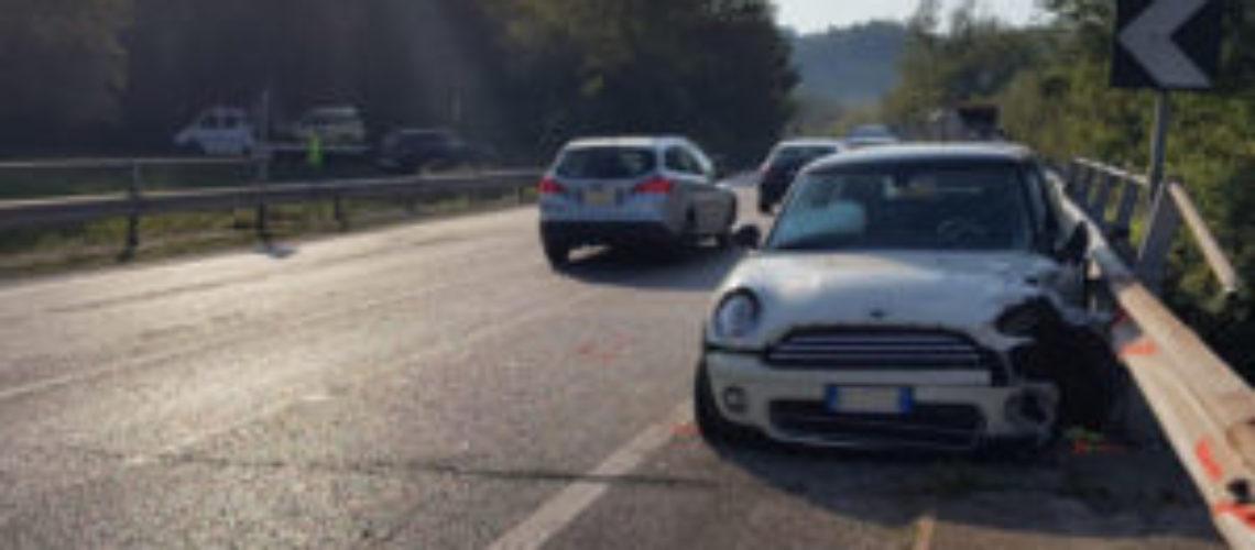 Ceppaloni. Scontro lungo la statale Appia: cinque feriti trasportati in codice rosso in ospedale.