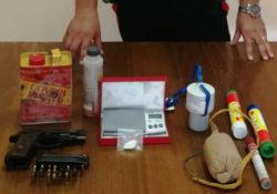 Tocco Caudio. Armi, munizioni e una bomba carta nascosti nel frigo: arrestato 51enne.