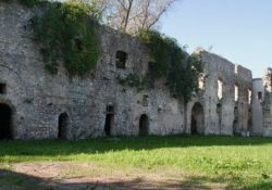 VAIRANO SCALO. Sequestrato il complesso monumentale Abbazzia della Ferrara: era stato sottoposto a tutela monumentale già nell'agosto del 1988.