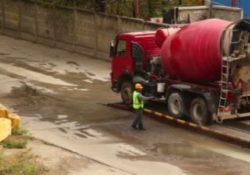 Agnone. Lava la betoniera disperdendo nella cunetta cemento misto ad acqua: denunciato l'autista e sanzionata l'impresa.