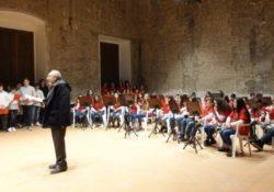 """PIETRAMELARA. Anche gli studenti dell'Istituto """"Falcone e Borsellino"""" in concerto per il Duca Caracciolo."""