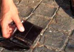 Venafro. Il bel gesto… di Natale: giovane africano trova un portafogli pieno di soldi e lo consegna ai carabinieri. Era di una ragazza del posto.
