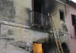 Amorosi. Incendio in un'abitazione del centro: muore per asfissia l'occupante, un 60enne del posto.