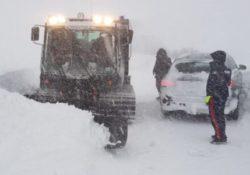 Agnone. Neve copiosa: Carabinieri in prima linea per il supporto alla popolazione.