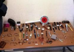 Telese Terme. Furto in abitazione, recuperata la refurtiva; una collezione di 32 orologi di varie marche, 12 braccialetti, 3 collane, un portamonete e 2 anelli.