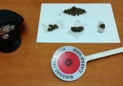 Isernia / Provincia. Sorpreso con sostanze stupefacenti: scatta una denuncia da parte dei Carabinieri.