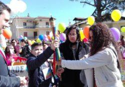 FALCIANO DEL MASSICO. La Fiaccola della Pace ha ricordato la Giornata del clima: e lunedi tappa a Carinola.