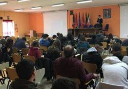 """Agnone. A scuola con i Carabinieri: la """"cultura della legalità"""" spiegata agli studenti."""