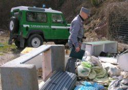 Venafro / Isernia. Abbandono di rifiuti: scattano sanzioni da parte dei Carabinieri Forestali.