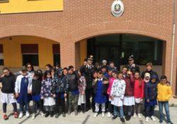 Agnone. Alunni della scuola elementare in visita presso il comando Compagnia Carabinieri di Agnone.