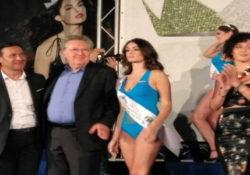 Solopaca. La finale regionale del concorso Miss Italia: la fascia di Miss Città Europea del vino 2019 alla 19enne Rossella Senatore.