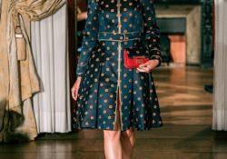 Caserta / Provincia. Alta moda in seta di San Leucio: in passerella al palazzo Albertini gli abiti della stilista Eva Scala.