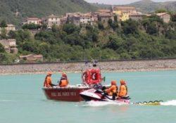 Castel San Vincenzo. Turista su di un materassino viene trasportato dalla corrente sul lago: tratto on salvo dai vigili del fuoco.