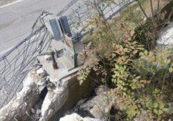 """Cerreto Sannita / Cusano Mutri. Caduta massi sulla strada provinciale """"76"""": al via l'ispezione della Provincia."""