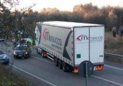 """Solopaca. Ennesimo scontro sulla """"Telesina"""" tra un camion ed una vettura: muore 46enne sannita."""