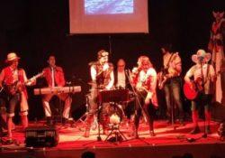 """CAIAZZO. Al Teatro Jovinelli successo di pubblico per il revival show dei cartoon con la band """"Le 7 stelle di Nantò""""."""