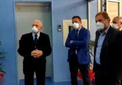 """Caserta / Provincia. Visita di De Luca all'ospedale modulare di Caserta, Zinzi: """"Senza nuovi operatori sanitari è solo spot elettorale""""."""
