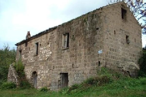 Monte Carmignano: finanziamento di 50mila euro per il recupero del Casolare di Caiazzo