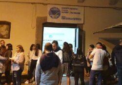 ROCCAMONFINA. Ed in città si combatte anche contro l'astensionismo: si deve superare il quorum del 50% dei votanti (2.000 elettori) per elezioni comunali valide. VIDEO.