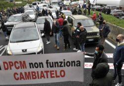 """Caserta / Provincia. Esercenti in piazza, Zinzi (Lega): """"Programmare riaperture, il pericolo camorra è sempre in agguato""""."""