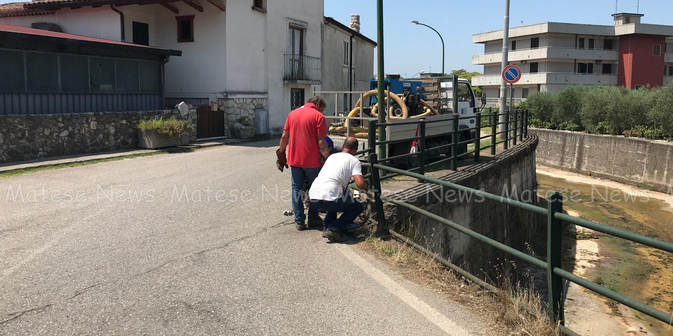 Barriere del ponte sul Torano in via Orazio Michi: sistemate grazie al Consorzio di Bonifica