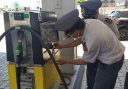 Caserta / Provincia. Manomesse le colonnine erogatrici ed i meccanismi di conteggio dei litri di carburante: i sequestri della Finanza.