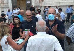PIEDIMONTE MATESE / Amministrative 2021. Il candidato sindaco Vittorio Civitillo tra la gente del quartiere Vallata: bagno di folla alla inaugurazione del Comitato elettorale in Via A.S. Coppola.