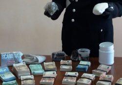 Ceppaloni / Paolisi. Arrestati corrieri della droga: fermati in auto e perquisiti, avevano cocaina, hashish, marijuana, lidocaina e strumenti per il confezionamento.