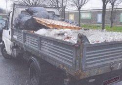 Caserta / Monza. Padre e figlio colti in flagrante a smaltire rifiuti speciali: sprovvisti di qualsivoglia autorizzazione.