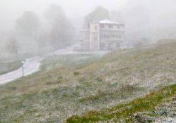 BOCCA DELLA SELVA. Arriva la neve di primavera, paesaggio incantato nell'Alto Casertano e nel Sannio: brusco calo di temperature che potrebbe danneggiare le colture già in fiore.