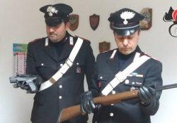 Sesto Campano / Cantalupo nel Sannio. Minaccia con una pistola alcuni ragazzini che lo infastidivano, 55enne denunciato dai Carabinieri. Altre tre persone nei guai per droga e alcol.