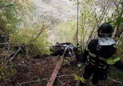Roccamandolfi. Esce di strada con la sua vettura e fa un volo di decine di metri: donna salvata da vigili del fuoco e 118.